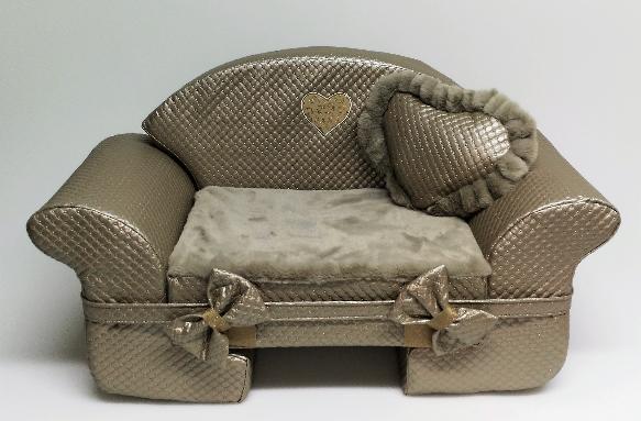 Eh Gia Teo sofa taupe with heart