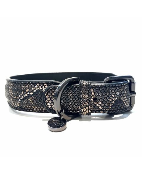 """Hundehalsband """" Python !"""