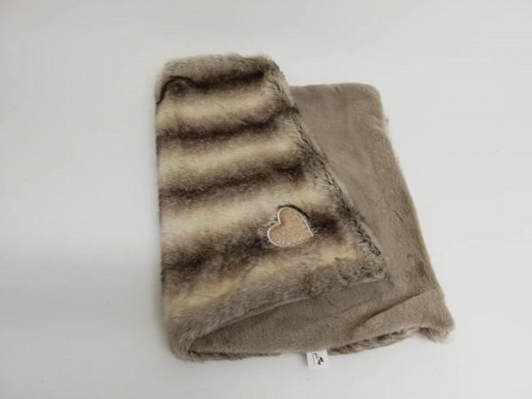 Eh Gia Blanket - Husky